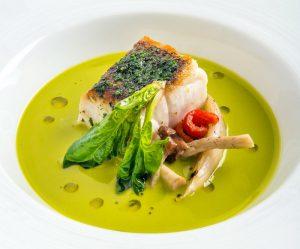 12-trancio-di-pesce-bianco-in-crosta-di-erbe-aromatiche-con-variazione-di-clorofilla
