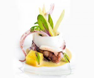 13-calamaro-cotto-dolcemente-con-salsa-di-ostriche-e-acciughe